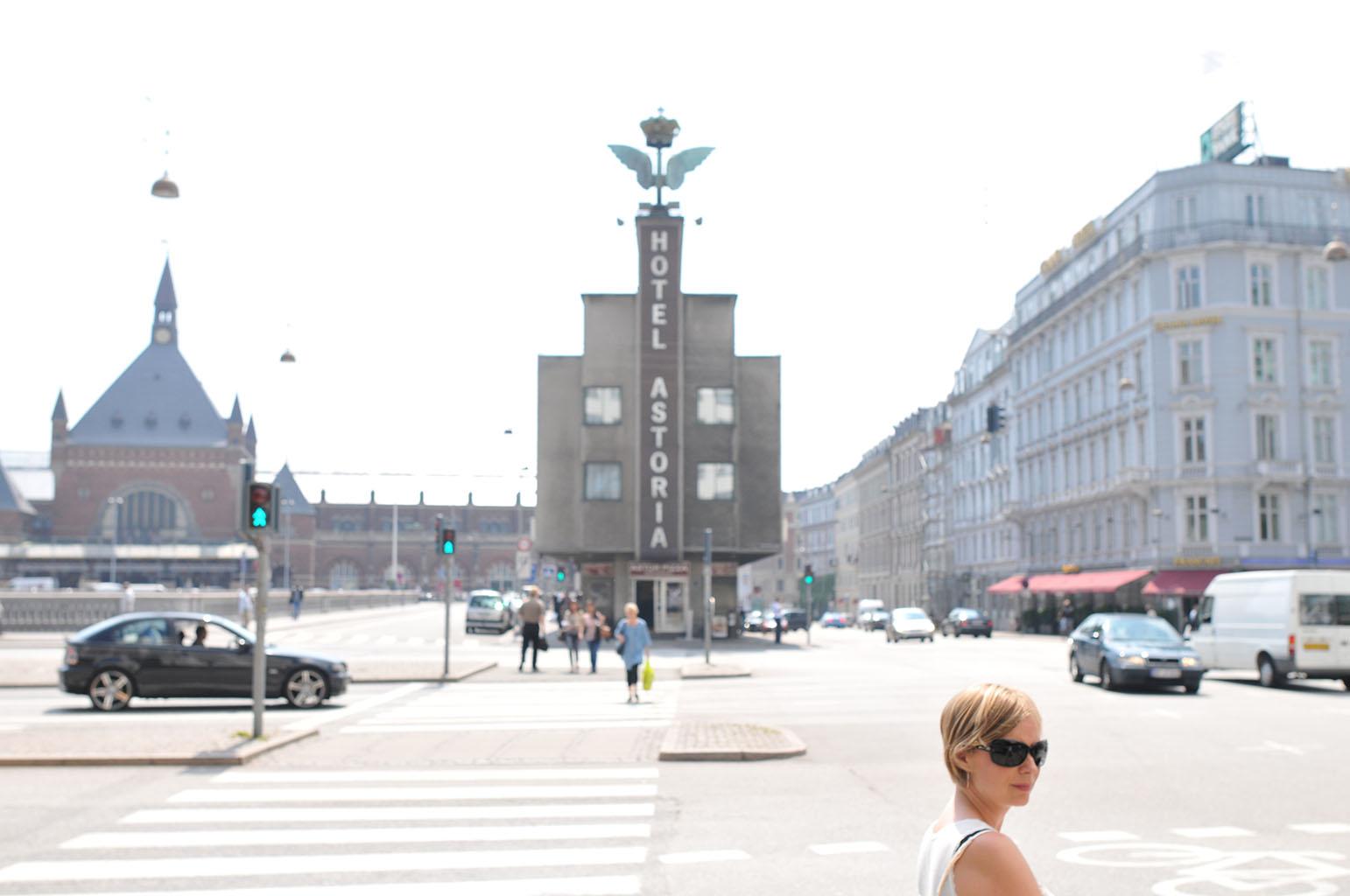 コペンハーゲン中央駅の前の交差点からの風景